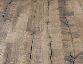 Искусственные трещины на паркетной доске Kahrs