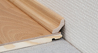 ��������������� ������� �� ������� (Solid Skirting-Board) 25x25 ��